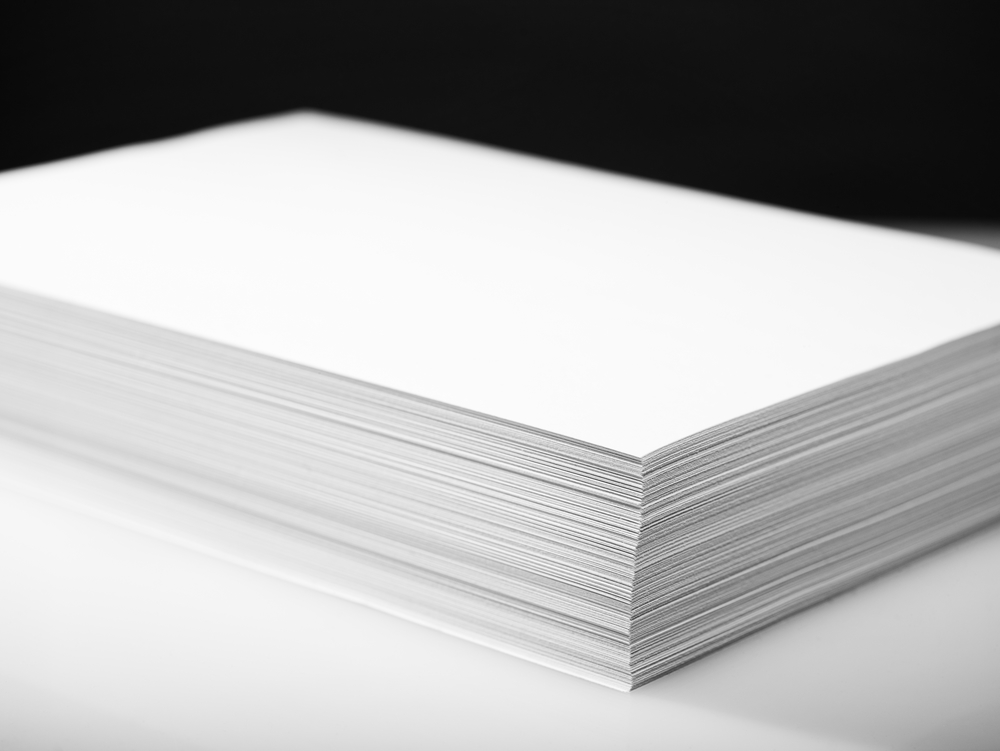 weight of paper Paper weight depends on the type of paper you are referring to, since the weight of a particular paper is actually determined differently for different types of paper for example, 20 lb bond is based on the weight of 500 sheets of paper measuring 17 x 22.